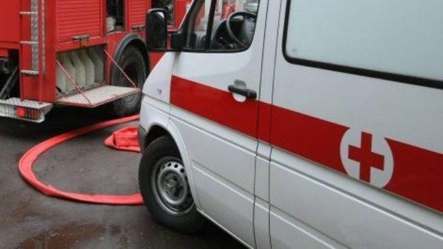 В Оренбурге спасатели деблокировали пострадавшую в ДТП женщину