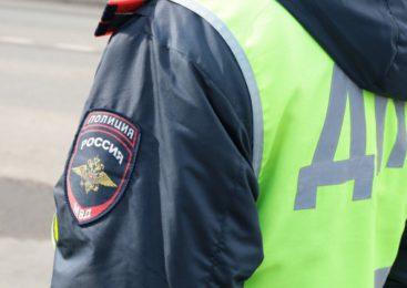 Два автомобиля столкнулись в городе Пушкин
