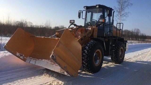 Завод «Дорожных машин» предлагает новое навесное оборудование для погрузчика DM-34